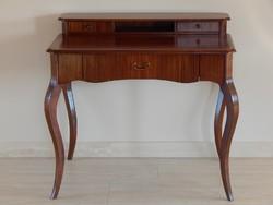 Kabriollábú íróasztal [A11]