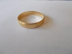 Arany karikagyűrű 14 karátos