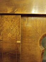 Antik könyves szekrény