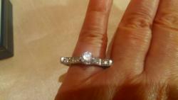 Ezüst gyűrű rengeteg csillogó kővel