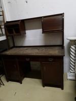 Redőnyös íróasztal