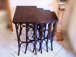 4db Thonet Asztal Egymásba Csúsztatható Asztalok 39x57x75cm