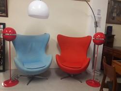 Arne Jacobsen által tervezett Retro tojás fotelek 2 db Egg Chairs