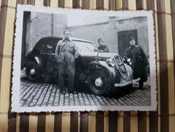 Ww2 2Vh Diplomata autó? Royce Royce autó katonákkal, jelölő zászlóval Ritka! 8,5x6,5 cm