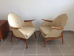 Retro fakarfás kárpitozott fotel régi karfás szék