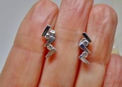 Szép kis modern köves ezüst fülbevaló