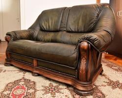 Tölgyfa és marhabőr kétszemélyes sötétzöld kanapé, ülőgarnitúra, Las Vegas