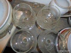 4 db metszett üveg likőrös pohár