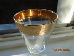Stilizált növényi arany mintákkal,talpas pohár