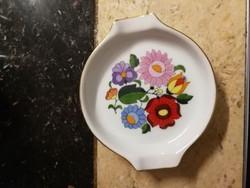 Jelzett Kalocsai porcelán hamutál . Személyes átadás Budapest