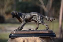 Vadászkutya szobor