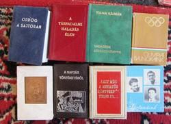 24 db minikönyv, naptár, képesfüzet egyben eladó.