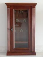 Kulcstartó szekrény [L15]