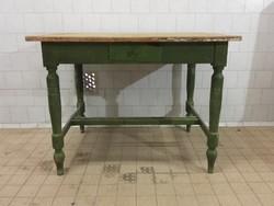 Esztergált lábú asztal, Vintage-Provance-Shabby chic