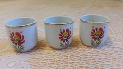 Hollóházi porcelán kispohár 3 db eladó!