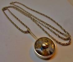 Szépséges régi ezüst szodalit köves ingamedál hosszú ezüstláncon 79cm