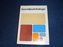 Hunyady György (szerk): Szociálpszichológia *283