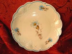 Szőlőfürtös, virágos tányér.