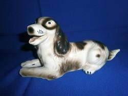 Nagyon aranyos, jelzett porcelán kutya 24 cm hosszú