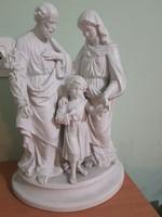 A szént család bisquit szobor