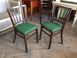 Régi vintage kárpitozott szék levehető ülőlappal
