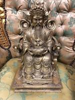 Keleti figurális szobor