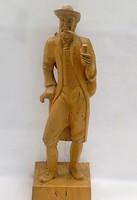 Faragott Pipázó férfi figura (ZAL-BI35262)