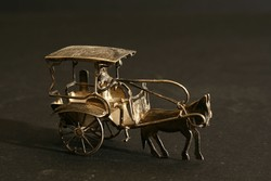 Mini Ezüst Hintót Hajtó Figura Miniatűr Lovaskocsi Ló Szekér Vietnámi Kalap Keleti Szobor Régi Antik