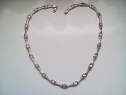 Mutatós ezüst nyakék