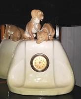 Friedrich Goldscheider Wien Kandalló óra Tacskó kutya párral