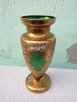 Cseh Bohémia kézzel festett váza, 31 cm magas.