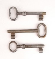 0V361 Antik kulcs csomag 3 darab
