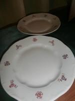 Zsolnay sütis tányérok