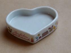 Szív alakú porcelán tálka