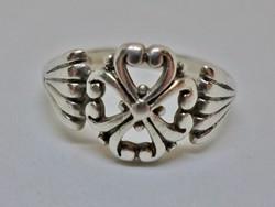 Különlegesen szép ezüst gyűrű