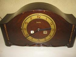Junghans kandalló óra