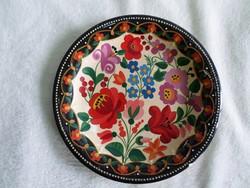 2. Régi, kézzel gazdagon festett falitányér 24,4 cm