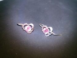 Ezüst fülbevaló pár szép lila köves, biztonsági záras