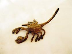 Élethű réz skorpió figura