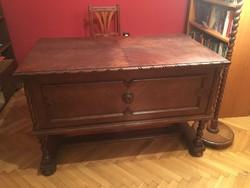 Felújított koloniál íróasztal