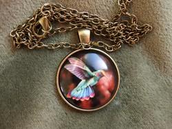 Bronz színű nyaklánc kolibri medállal (új)