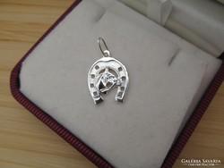 Patkós lovas ezüst medál - patkó ló