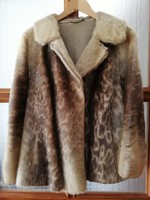 Gyönyőrű valódi női szőrme kabát molymentesen tárolt tökéletes állapotú darab