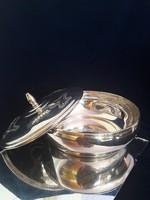 Gyönyörű ezüst fedeles tál