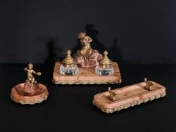 XIX. sz. Tűzaranyozott Bronz Íróasztal Szett Aranyozott Kalamáris Márvány Talpon Faun Pán Tintatartó