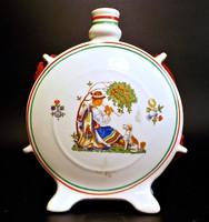 Gránit pálinkás kulacs figurával , nemzeti színű szalaggal
