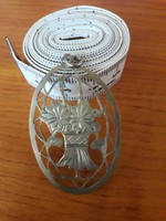 Áttört, vésett virágkosár mintás régi medál 800-as ezüstből