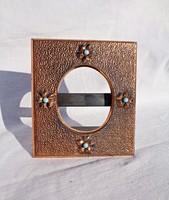 Virágos, türkiz köves bronz asztali képkeret