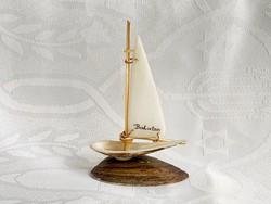 Retro Balatoni hajó emlék kagylóból 10 cm.