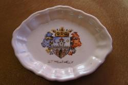 Herendi gyűrűtartó tálka, Szombathely címerrel.